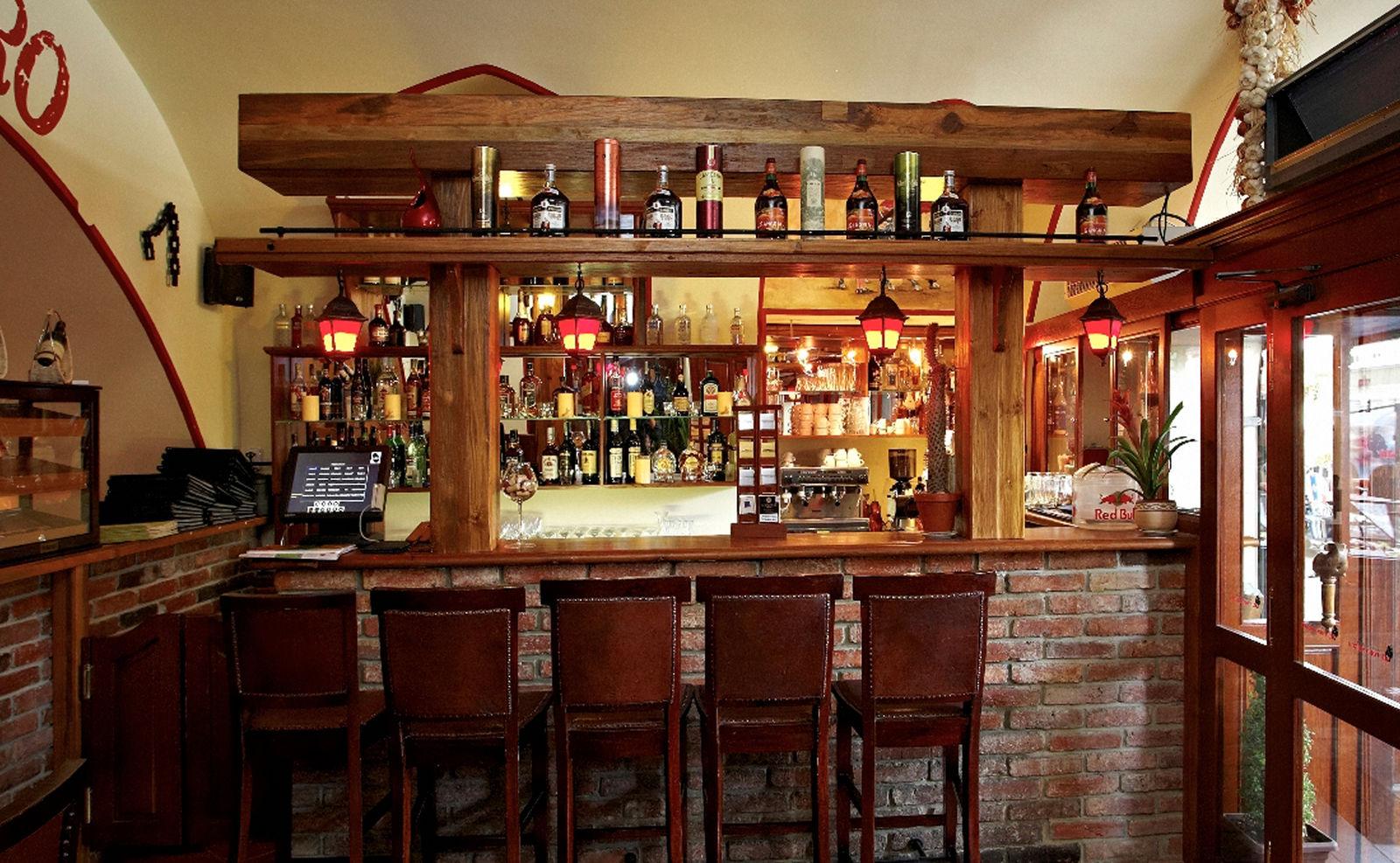 El toro negro bar et gril restaurant espagnol prague